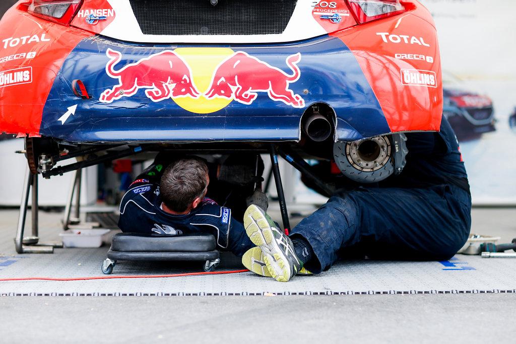 Mechanics at 2016 FIA World Rallycross Championship in Belgium  (May 2016)