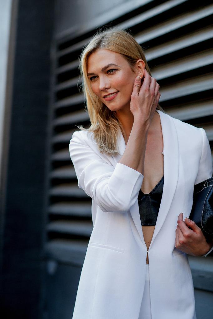 Karlie-Kloss-New-York-Fashion-Week-SS17-1.jpg