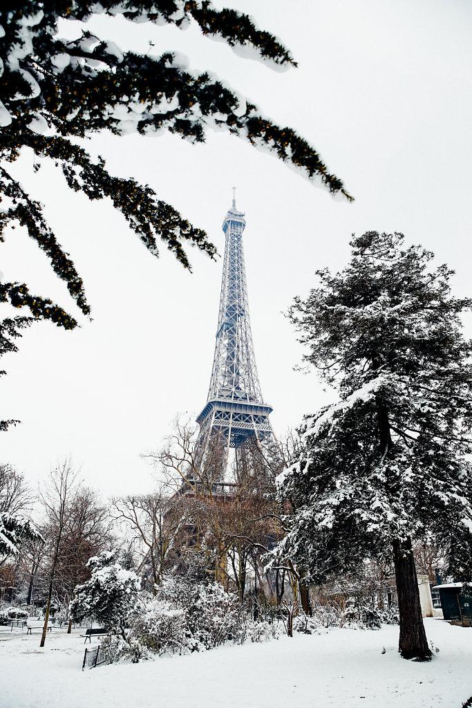 Neige-Tour-Eiffel-7.jpg